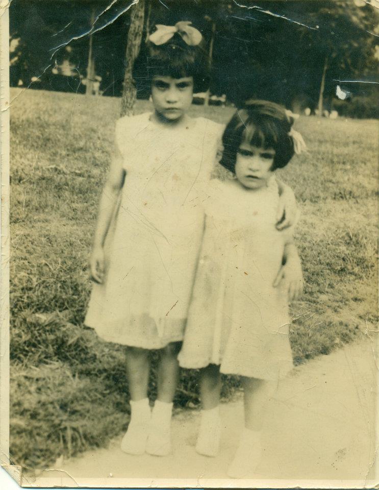 Abigail Lugo (Hita) y Hulda Lugo (Escanio).
