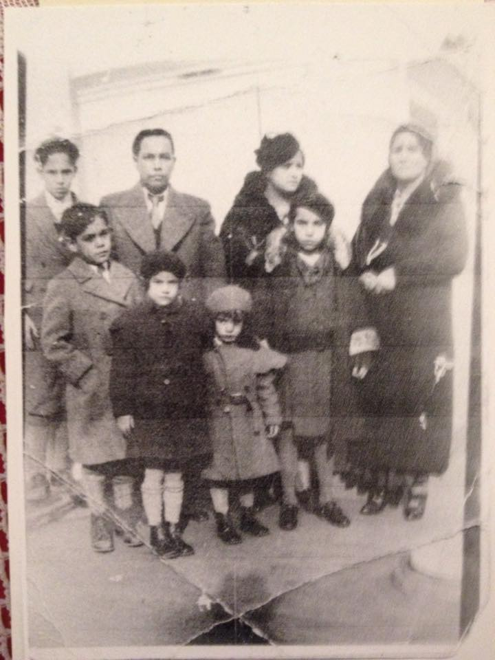 Es la familia lugo a punto de viajar de NY a puerto rico en algún momento de la década de 1930, posiblemente alrededor de 1935-1936.